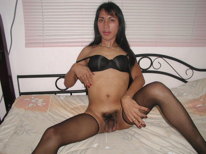 Latina gros seins baise une shemale - Pornodinguecom